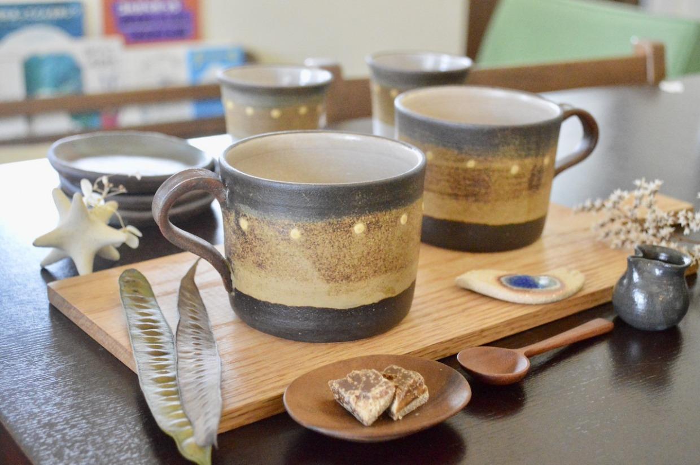 工房ことりの 彩りマグ(ストレート型・こげ茶)